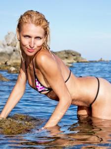 Участница конкурса купальников Татьяна в экстрим бикини